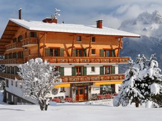 Chalet Hotel Chamois d'Or in Cordon, France